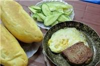 Nuốt nước miếng với bánh mì chảo ngon nổi tiếng Hà Nội