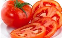 Làm trắng da ngày hè với cà chua