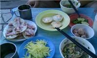 Tiệm bánh căn nhỏ chỉ mở buổi sáng ở Nha Trang