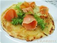 Bánh pancake cá hồi xông khói
