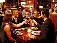 Bữa trưa kinh doanh và những hớ hênh cần tránh