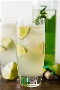 Bạn sẽ uống nước chanh mỗi ngày nếu biết 11 tác dụng sau