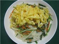 Bún gạo xào trứng