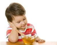 Bồi bổ cho trẻ B1 + mật ong là rất tai hại